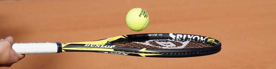 tennisracket met bal.jpg